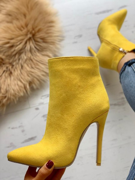 Suede Point Toe Thin Heeled Boots