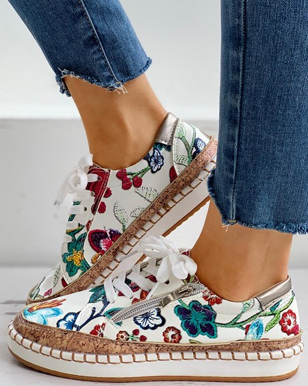 boutiquefeel / Floral Embroidery Lace-up Muffin Sneakers