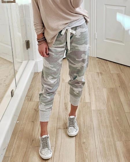 Camouflage Print Drawstring Casual Pants