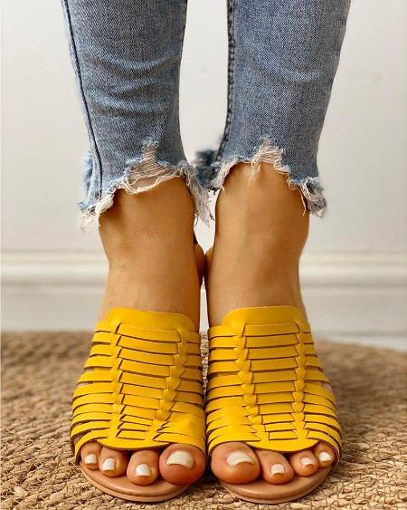 boutiquefeel / Braided Design Peep Toe Flat Sandals