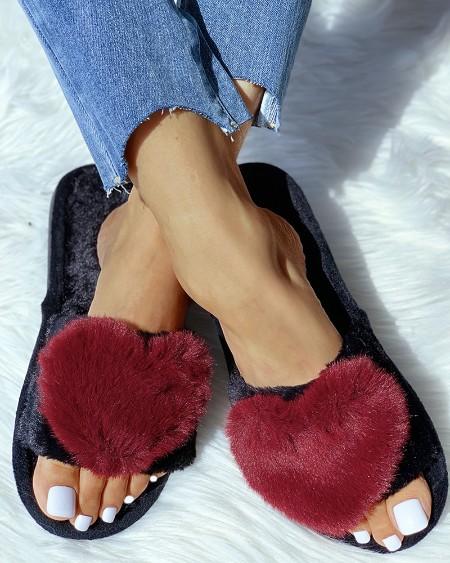 boutiquefeel / Open Toe Fluffy Heart Design Flat Slipper