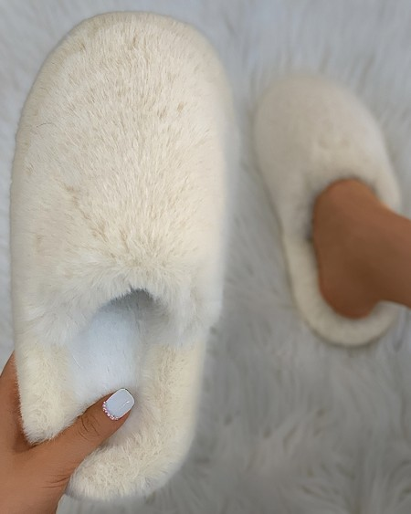 Plain Close Toe Fluffy Slippers
