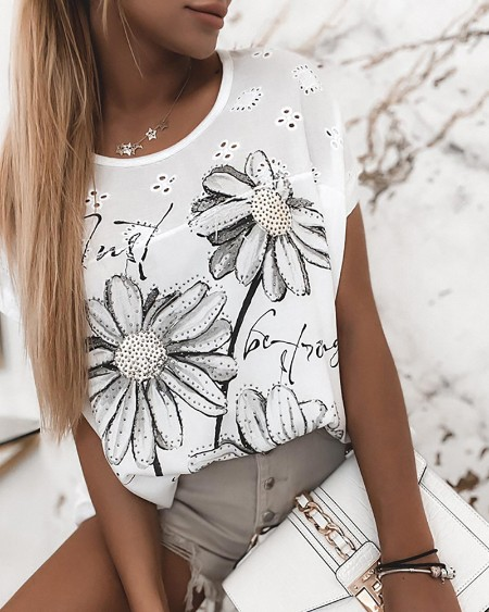 Daisy Letter Pattern Print Studded Eyelet Embroidery T-shirt