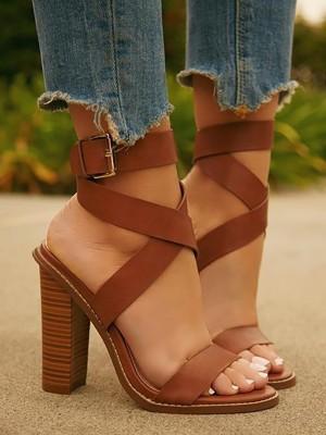 Casaul Buckle Design Crisscross Chunky Sandals