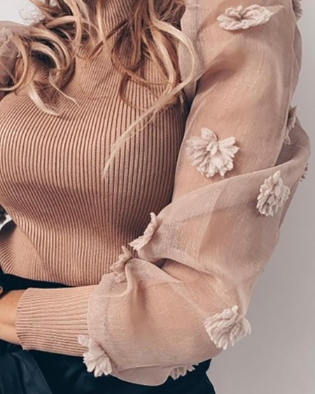 Ribbed Flower Embellished Casual Sweater