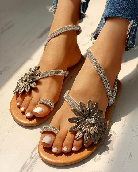 Flower Studded Detail Toe Ring Sandals