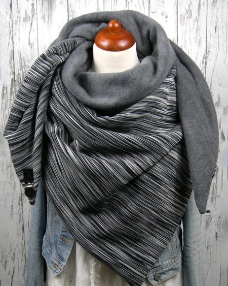 boutiquefeel / Striped Buckled Warm Scarf