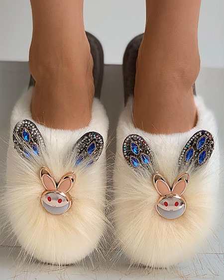 Rabbit Pattern Studded Fluffy Slippers