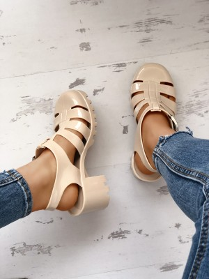 Casaul Chunky Heel Hollow Out Sandals