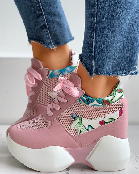 boutiquefeel / Floral Embroidery Lace-Up Breathable Sneakers