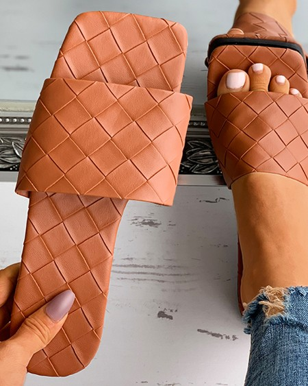 Quilted Square Toe Flat Sandals