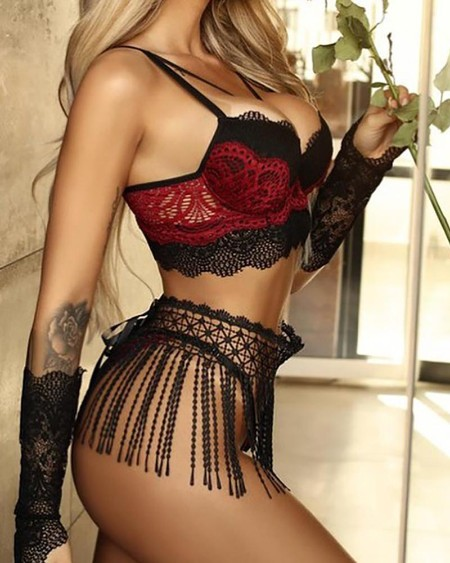 Crochet Lace Colorblock Lingerie Set With Tassel Skirt & Gloves