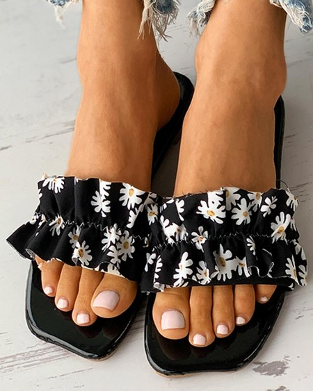 Daisy Print Ruched Square Toe Flat Sandals