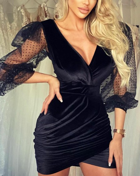boutiquefeel / Stitching Lace Solid Color Long Sleeve Mini Dress