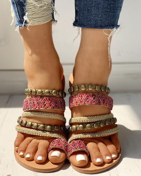 Ethnic Rivet Design Toe Ring Flat Sandals