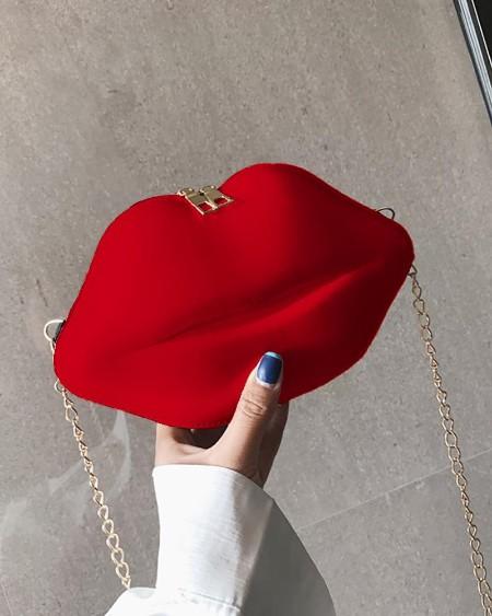Lip Shaped Chain Crossbody Bag