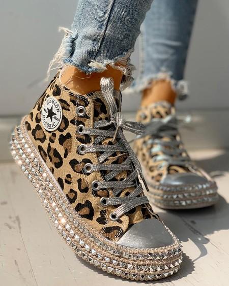 boutiquefeel / Leopard Rivet Embellished Lace-Up Sneakers
