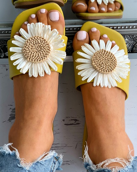 Daisy Pattern Square Toe Flat Sandals