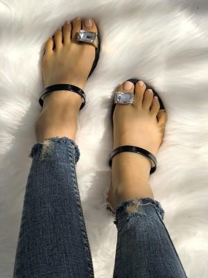 Concise Rhinestones Toe Ring Flat Sandals