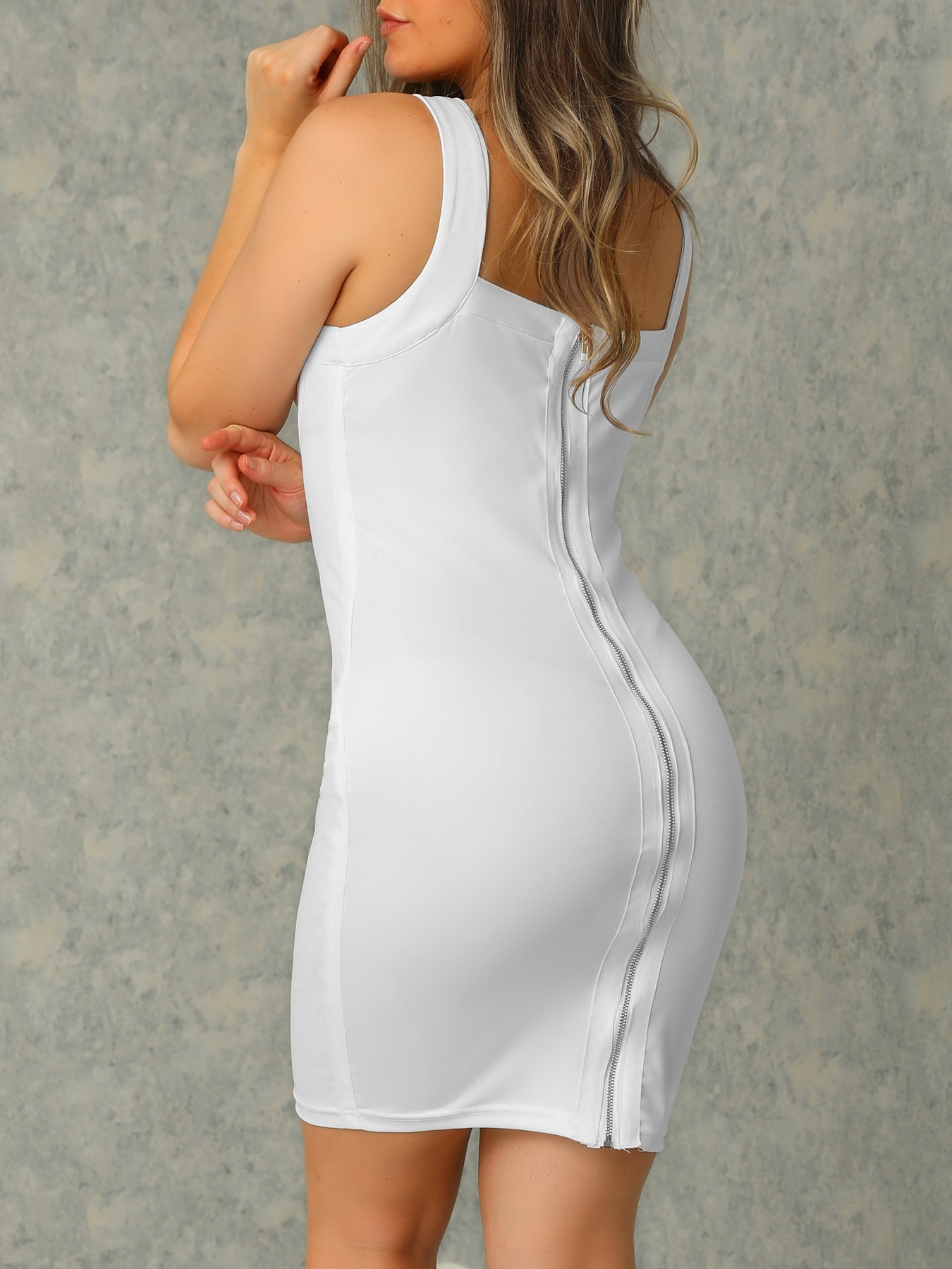 boutiquefeel / White Plunge Elastic Bodycon Dress