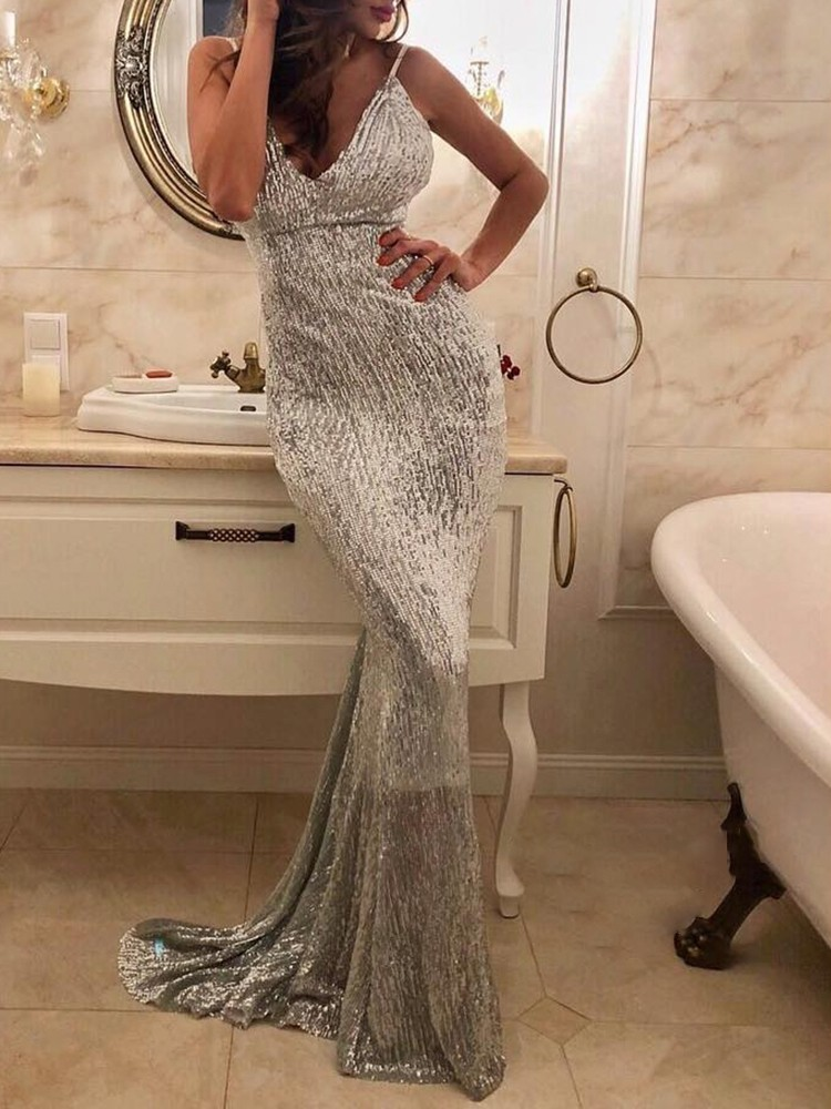 boutiquefeel / Spaghetti Strap Low Cut Mermaid Dress