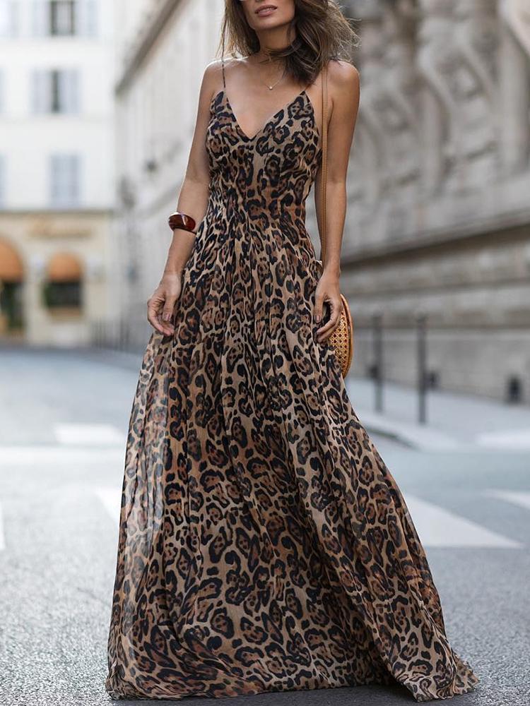 boutiquefeel / Leopard V Neck Spaghetti Strap Maxi Dress