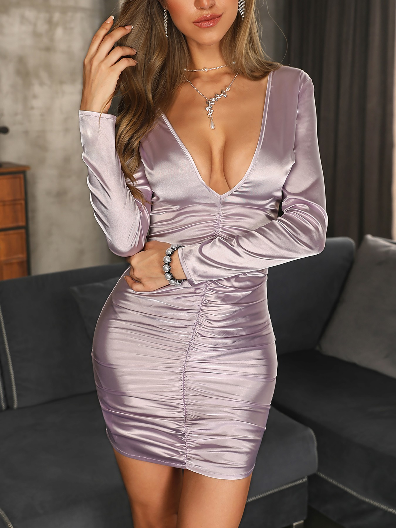 boutiquefeel / Deep V-Neck Ruched Design Dress