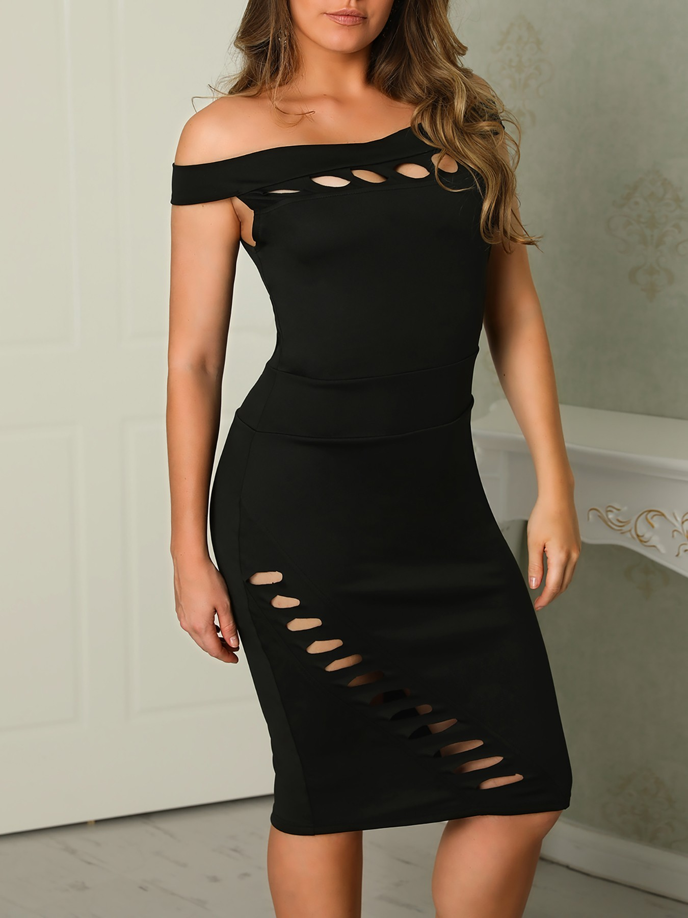 boutiquefeel / Solid Off Shoulder Cut Out Detail Bodycon Dress