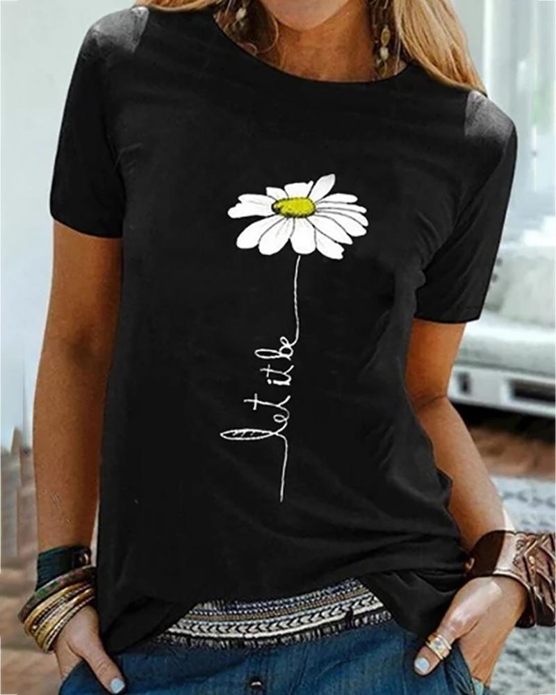 Daisy Print Round Neck Casual T-shirt thumbnail