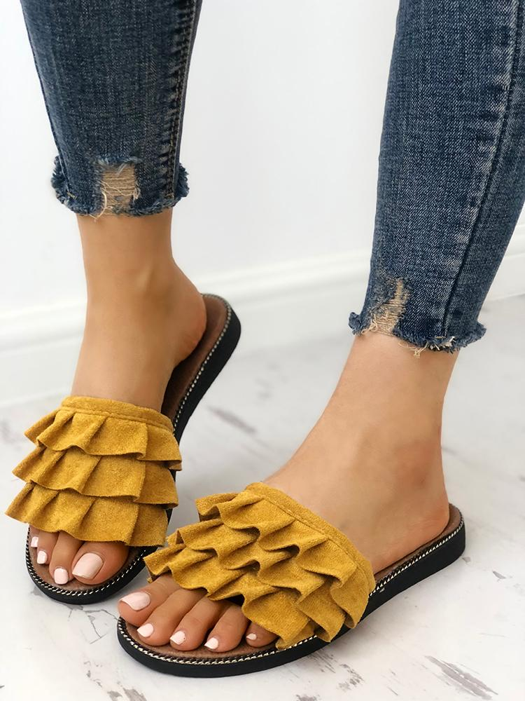boutiquefeel / Velvet Ruffles Layered Non-Slip Slippers