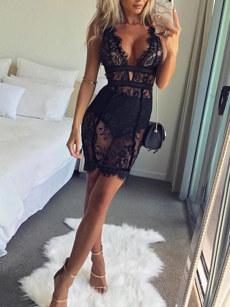 Sexy Deep V Scalloped Lace Dress