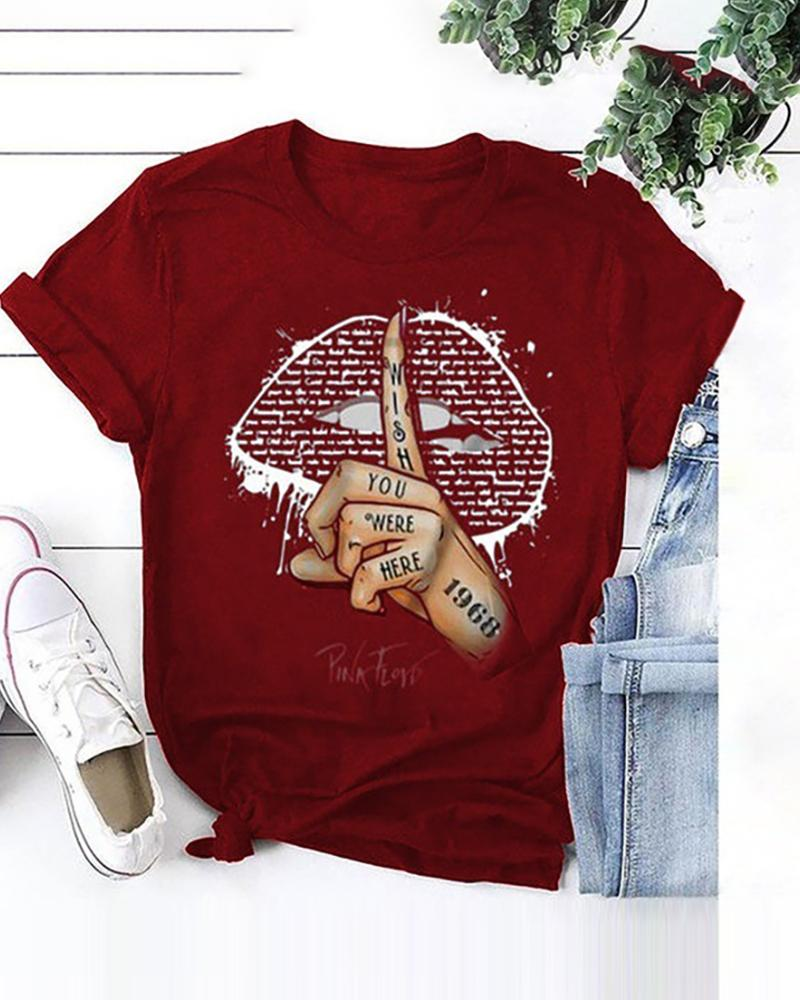 Lip/Signal Print Short Sleeve Casual T-shirt thumbnail