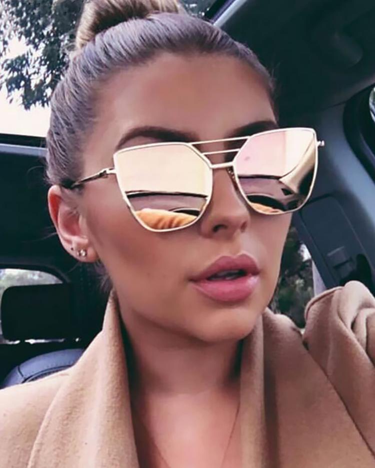 Ivrose coupon: Metal Frame Irregular Sunglasses