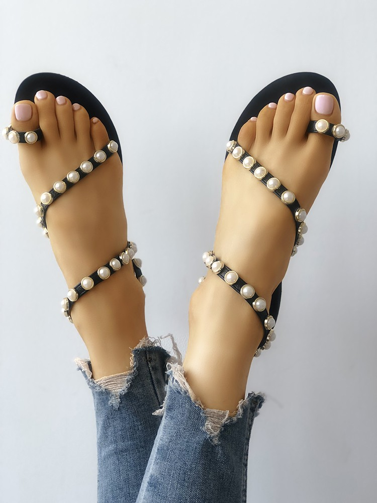 boutiquefeel / Beading Decorated Toe Ring Flat Sandals