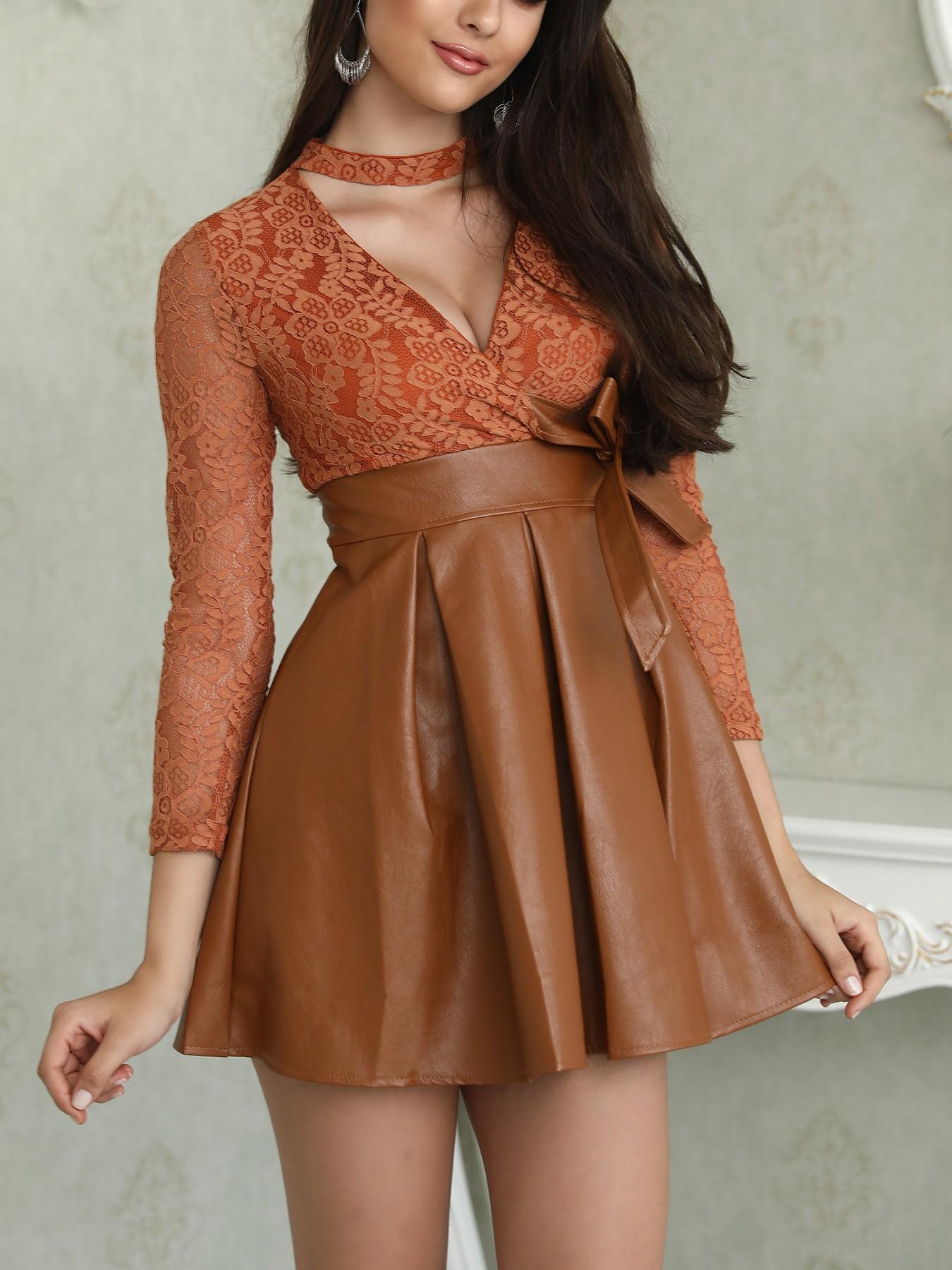 Choker V Lace Splicing PU Pleated Dress