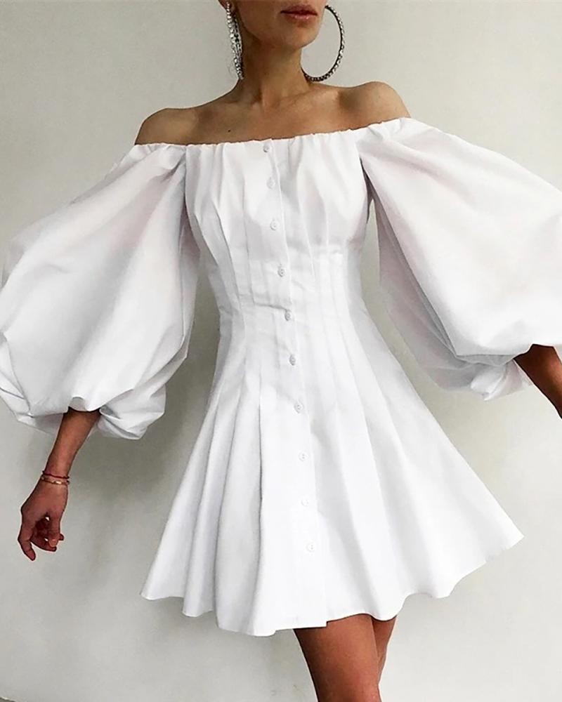 Schulterfreies Kleid mit Laternenärmeln