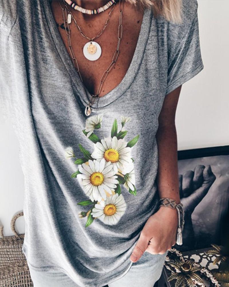 Daisy Print V-neck Casual T-shirt thumbnail