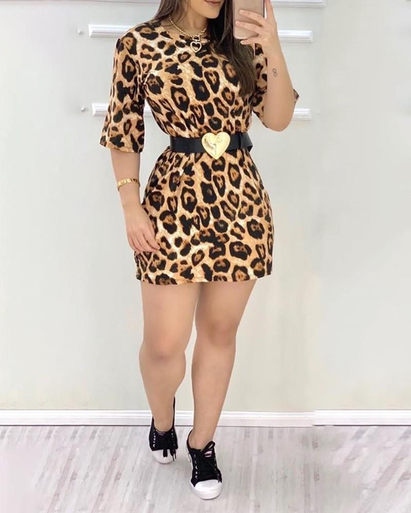 geparden-print-kleid mit halben Ärmeln