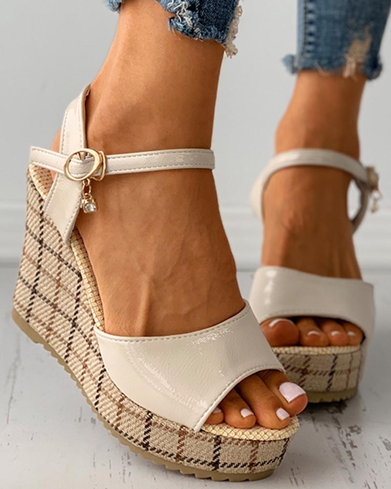 Plaid Peep Toe Buckled Studded Decor Wedge Sandals, Beige
