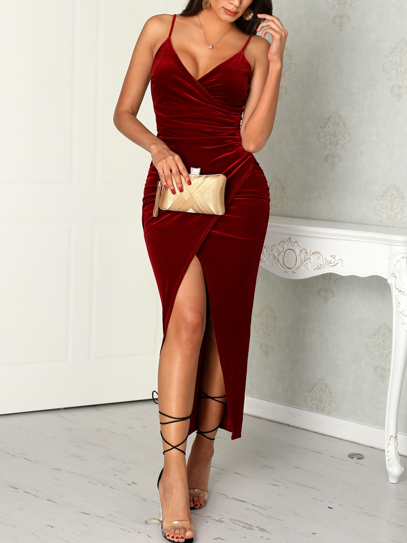 boutiquefeel / Spaghetti Strap Scrunhced Slit Dress
