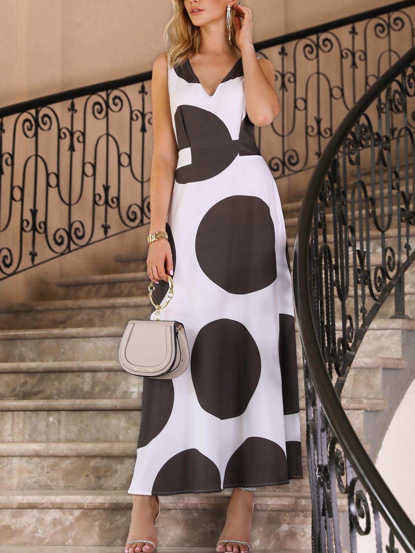 boutiquefeel / V Neck Big Dots Pleated Maxi Dress
