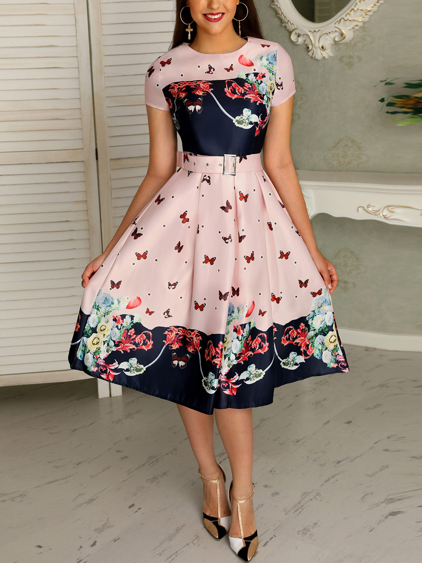 boutiquefeel / Butterfly Print Short Sleeve Belted Pleated Dress