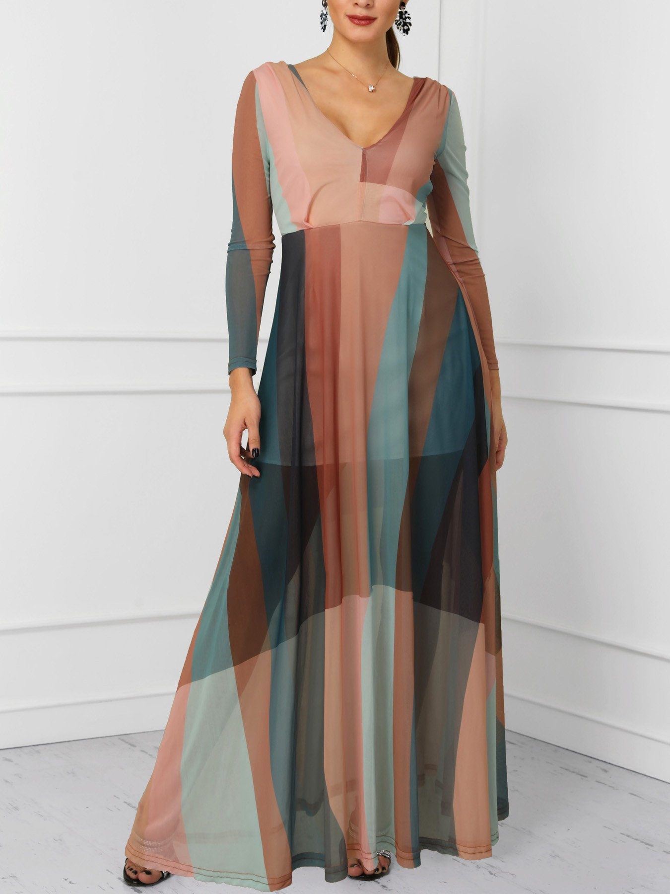 boutiquefeel / Color Block Splicing Plunge Neck Maxi Dress