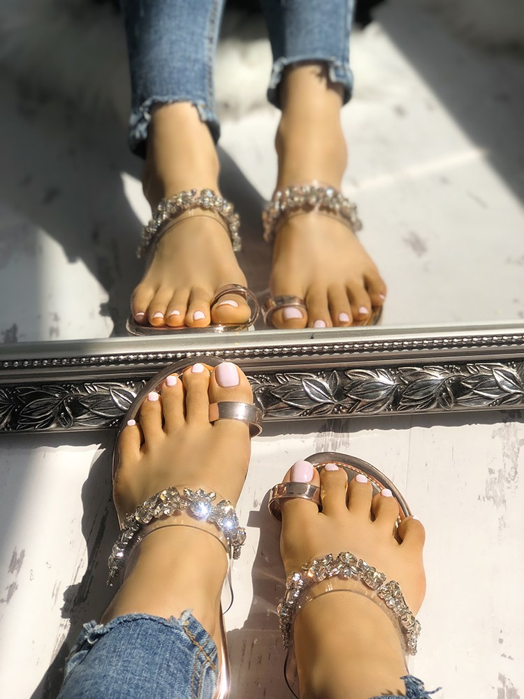 Concise Decorated Toe Ring Flat slipper