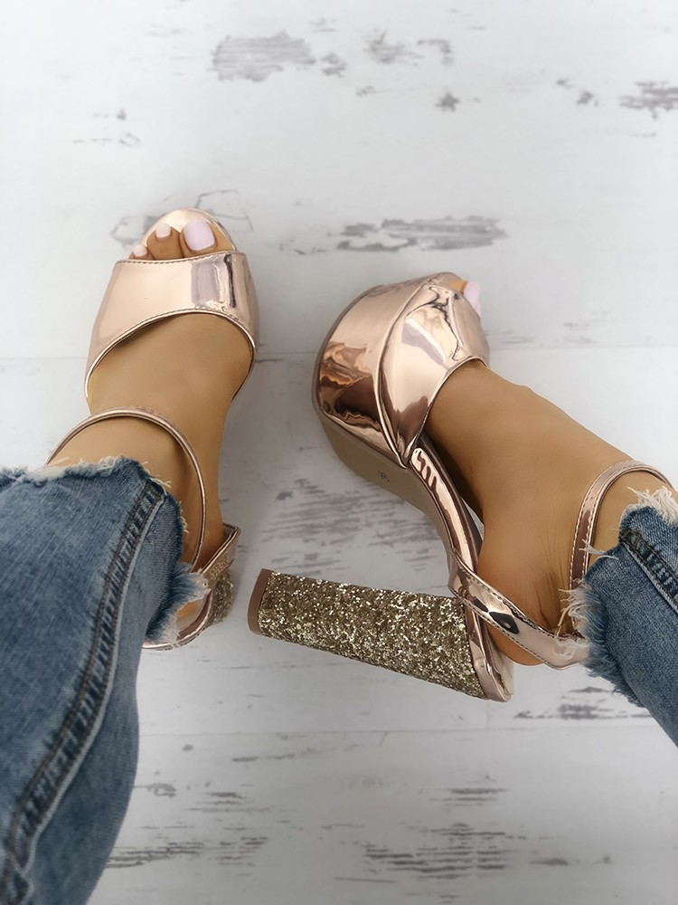 boutiquefeel / Open Toe Shiny Chunky Heeled-Sandals