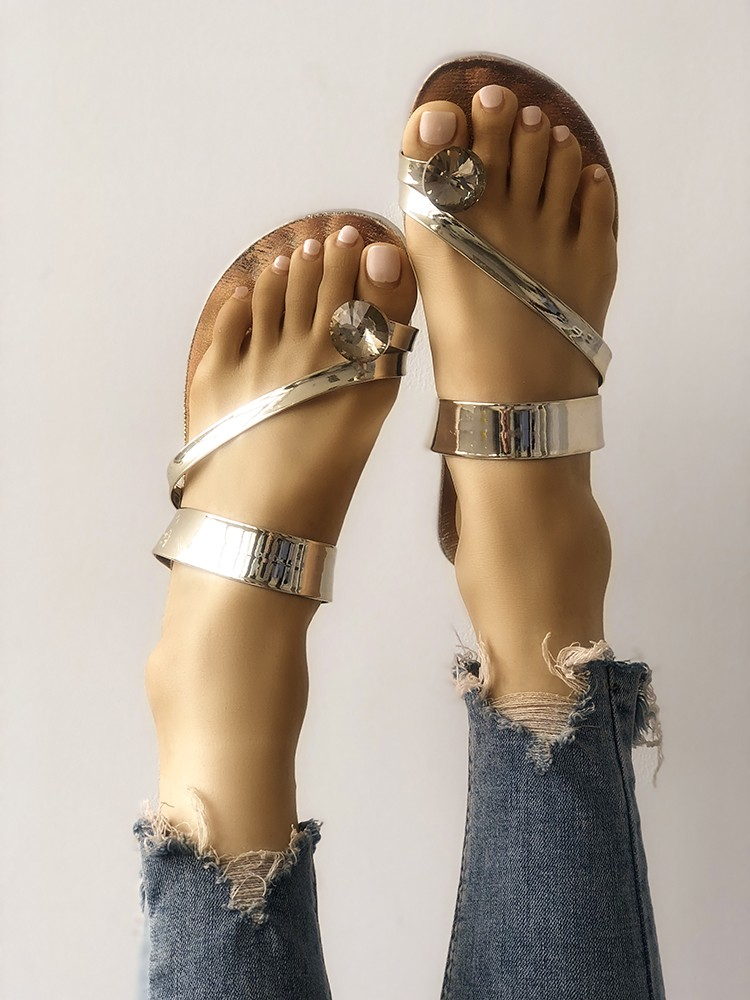 boutiquefeel / Concise Solid Shiny Toe Ring Flat Sandals