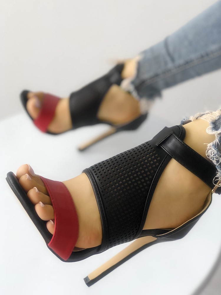 boutiquefeel / Contrast Color Buckled Thin Heeled Sandals