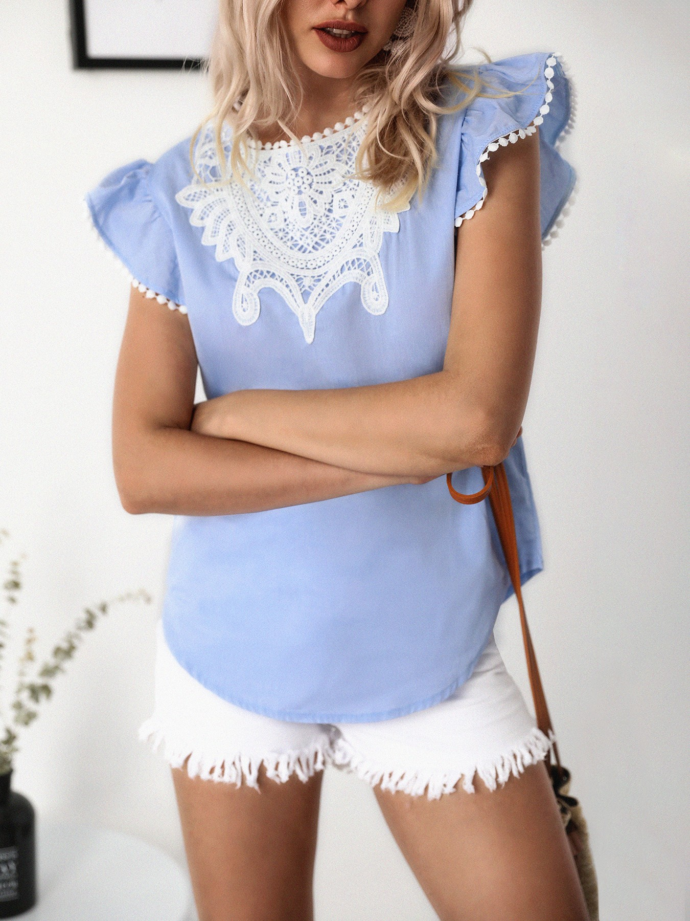 boutiquefeel / Crochet Lace Splicing Flutter Sleeve Casual Blouse