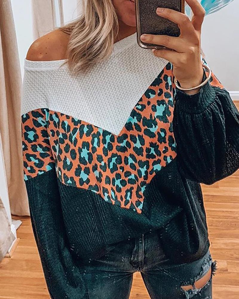 Cheetah Print Colorblock Lantern Sleeve Sweater thumbnail