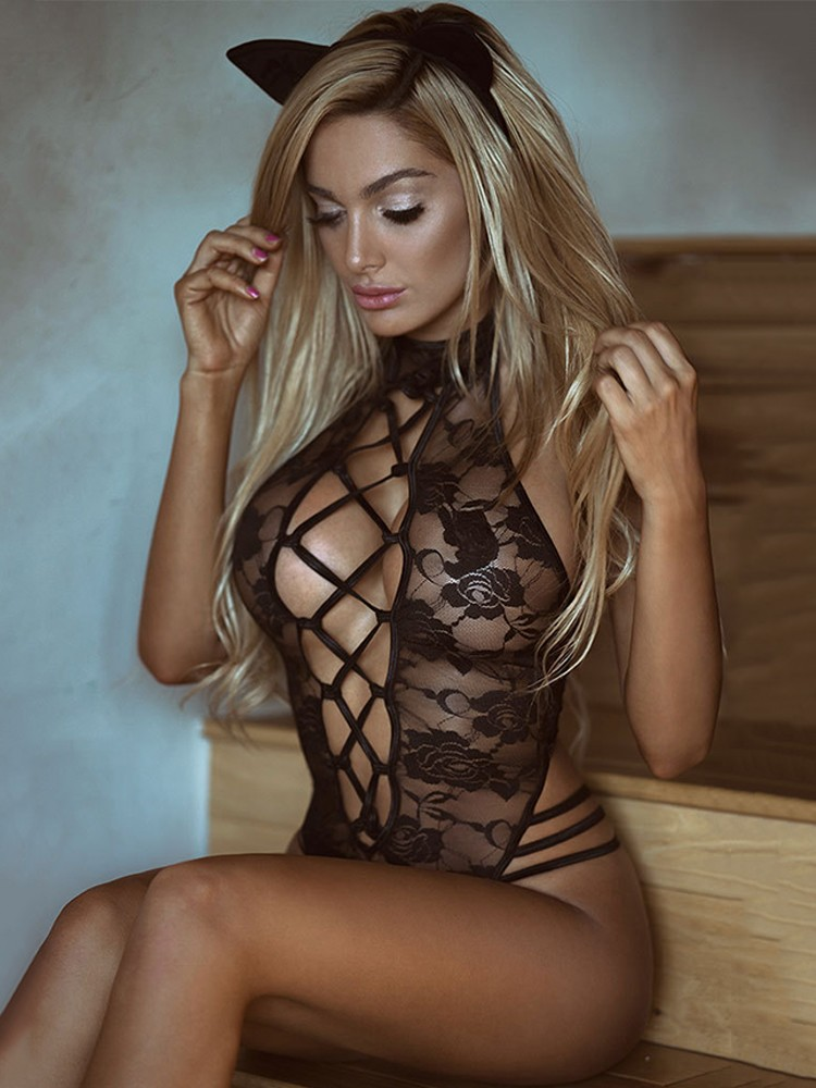 Images of sexy women in lingerie